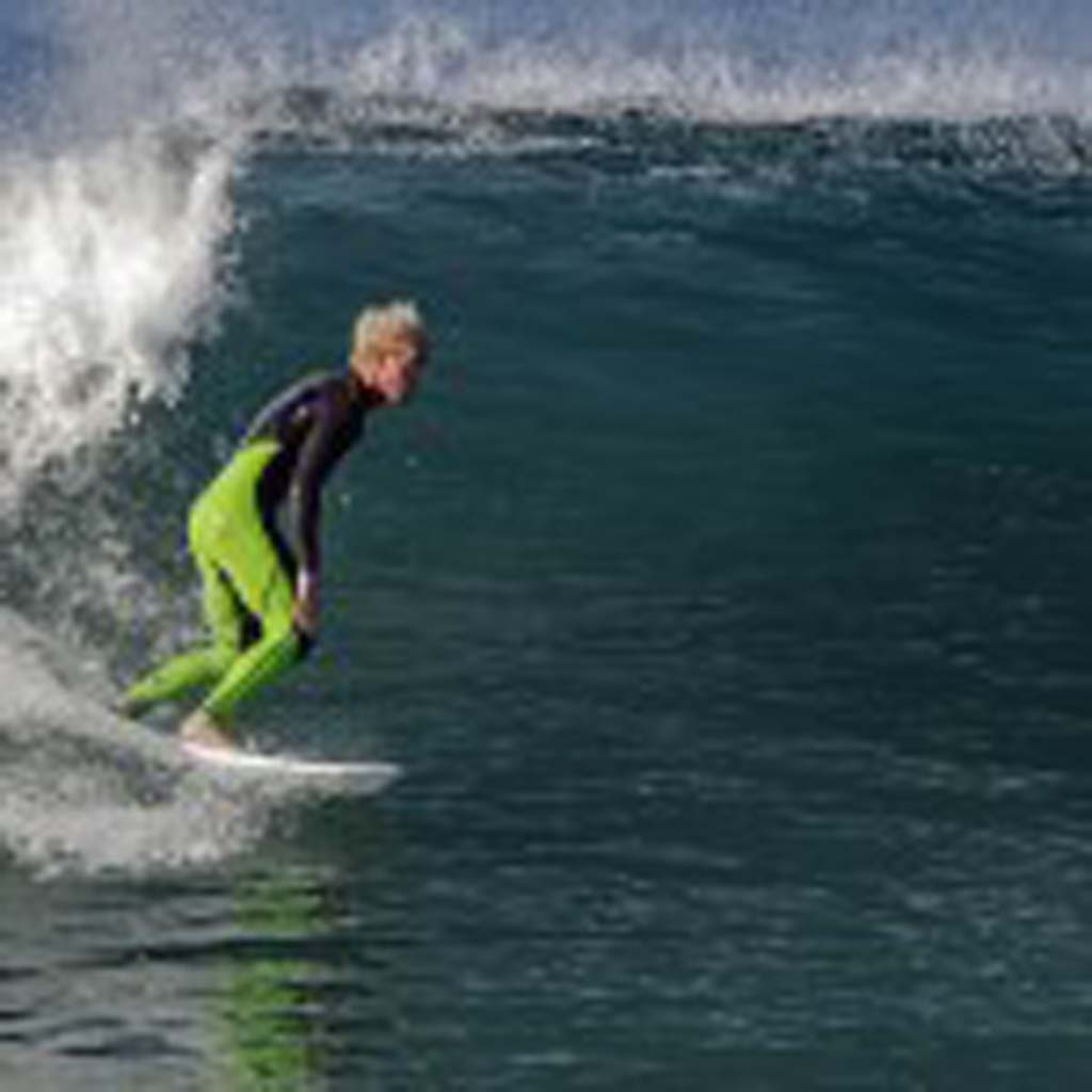 Curtis Clave of Encinitas goes for the set up Sept. 1 in the northern part of San Diego County. Photo by Bill Reilly