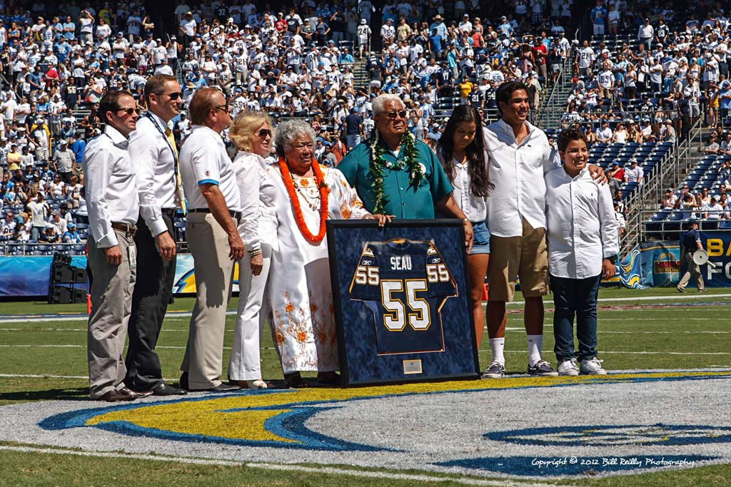 Chargers Retire Seau S Number Before Home Opener The