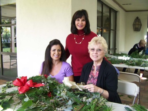 Garden Club continues wreath-making tradition