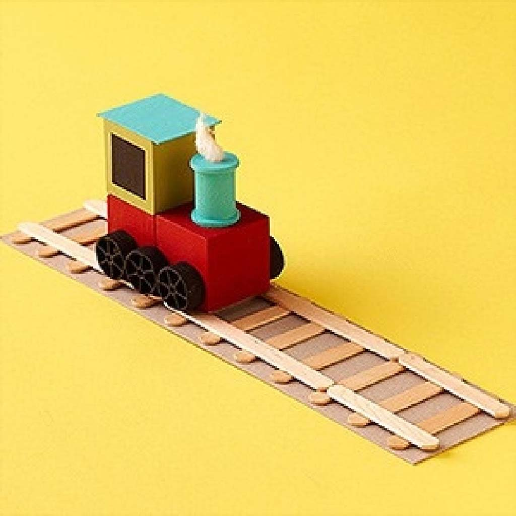 Train toys teach local history