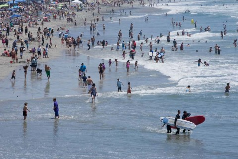Funds approved for monitoring beaches' water quality