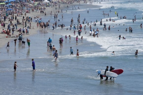 Beach water testing to be turned around faster under pilot program