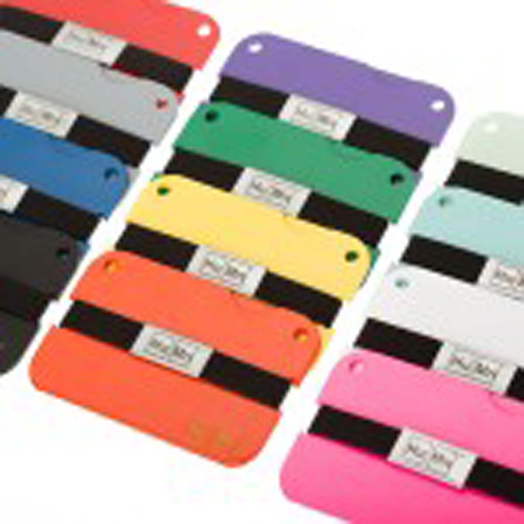 HuMnWallet-colors – These minimalist wallets come in many colors and allows you to carry money and credit cards safely.