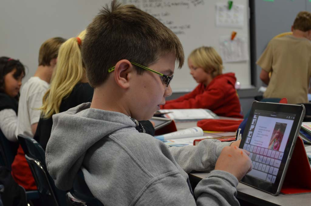 Going paperless: Studies look into the effectiveness of learning with iPads in Encinitas' school district
