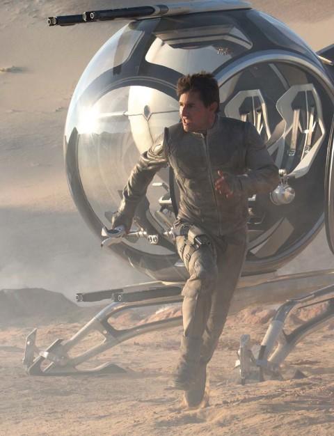 Film review: 'Oblivion' is good mix of sci-fi story, visuals