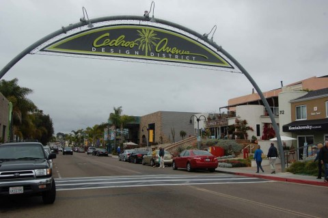 Council OKs S. Cedros traffic calming