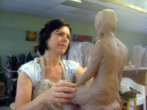 Sculptor to host teaching event