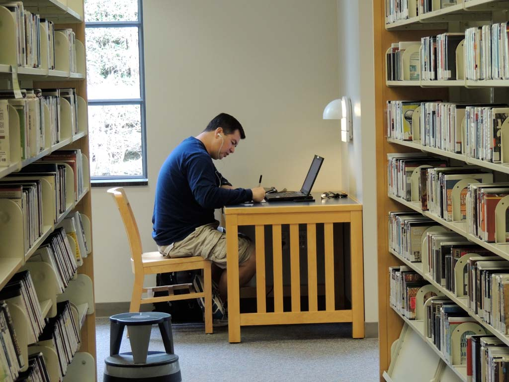Carlsbad libraries work to meet new demands, technology