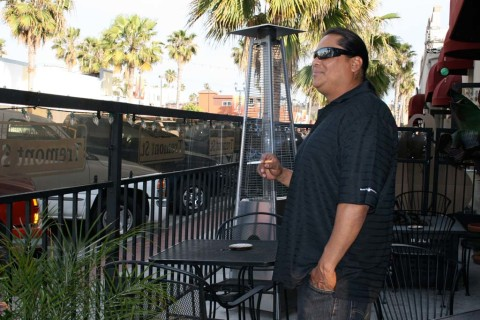 City looks to ban restaurant patio smoking