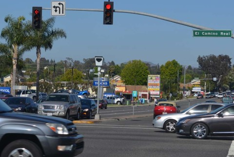 Encinitas to review red light cameras