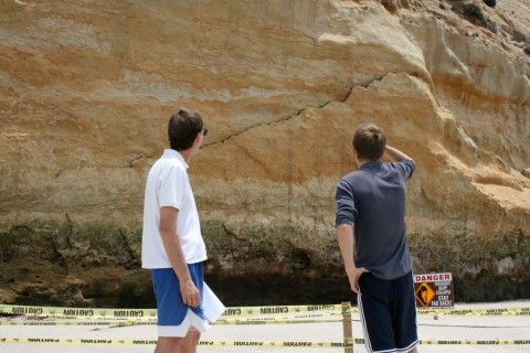 Encinitas lifeguards keeping an eye on bluff north of Moonlight Beach