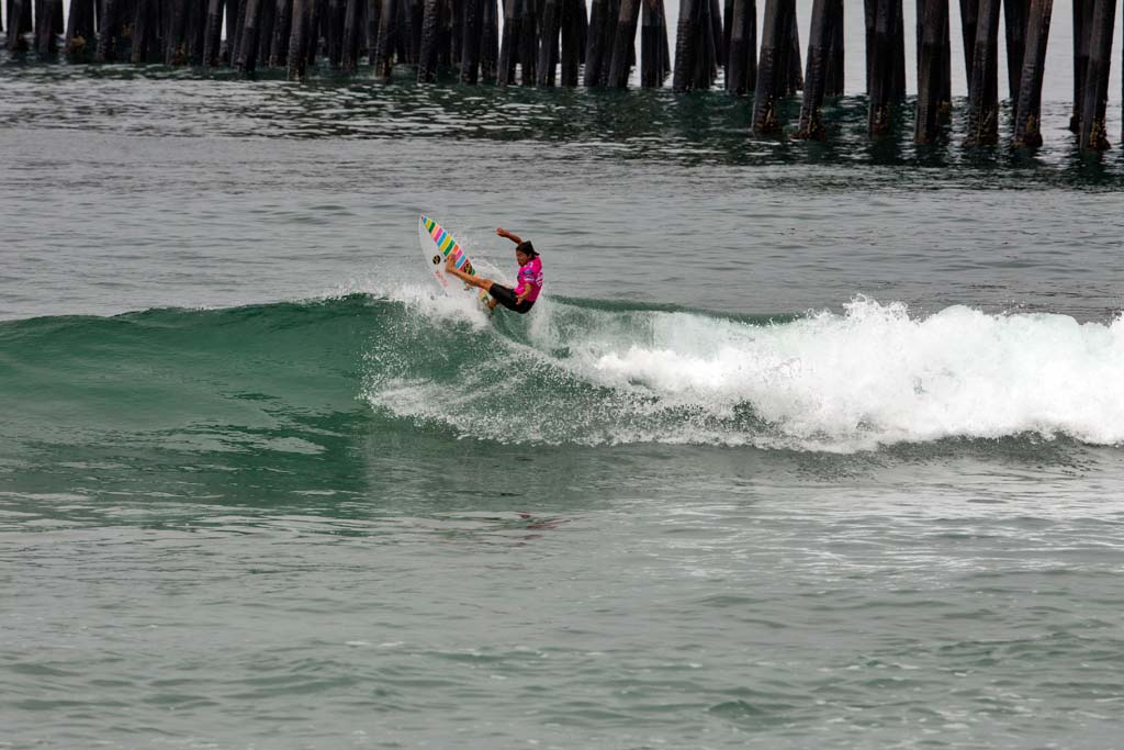 Silvana Lima from Brazil competes in Heat 6 of the Association of Surfing Professionals (ASP) 6-Star Ford Supergirl Pro Surf Contest. Photo by Bill Reilly