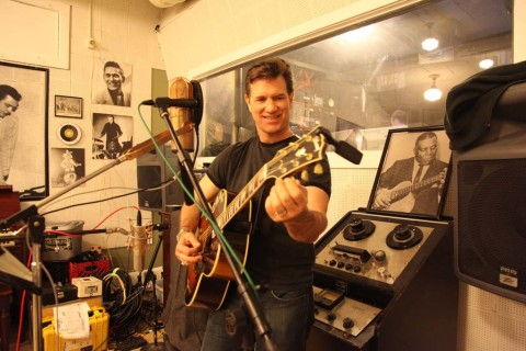 Chris Isaak is bringing back the '50s his way