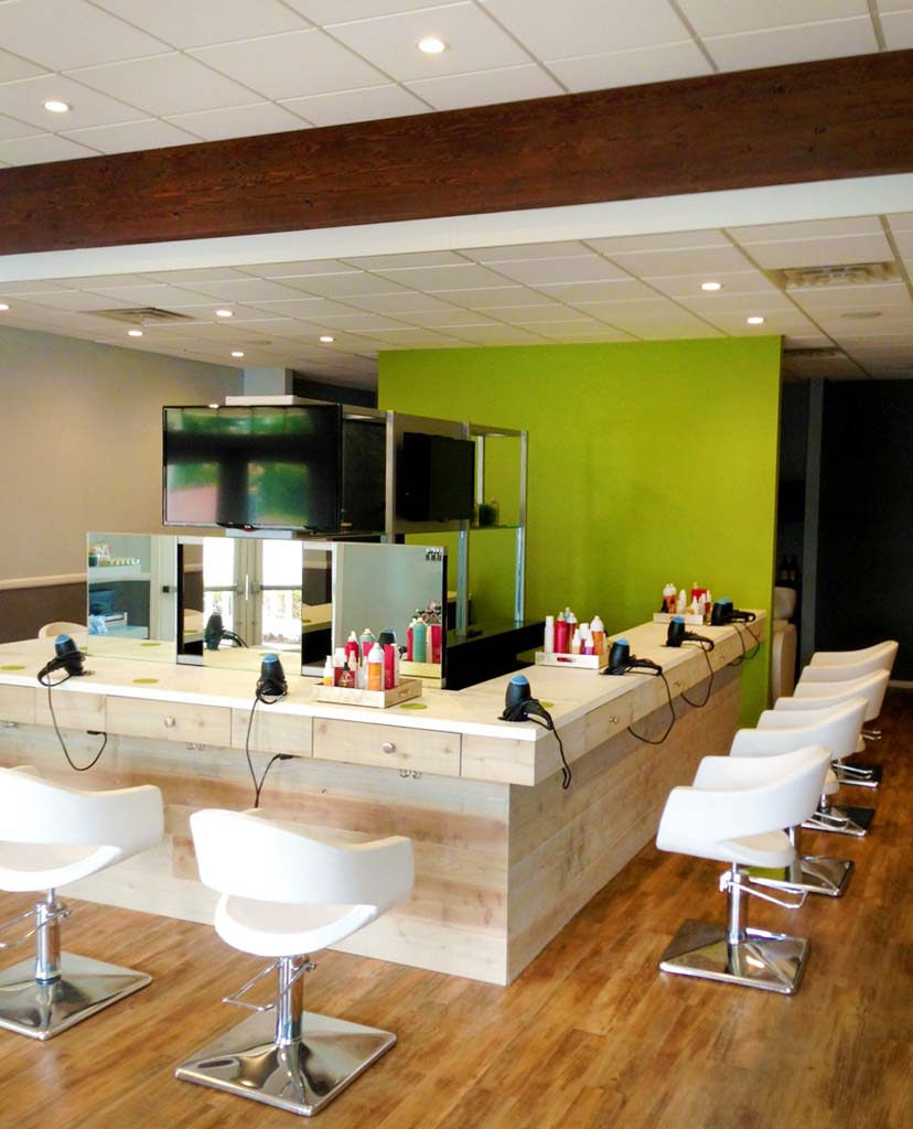 "PURE the blowout bar in Encinitas aims to give busy women some ""me"" time by providing a blowout experience that saves time and money."