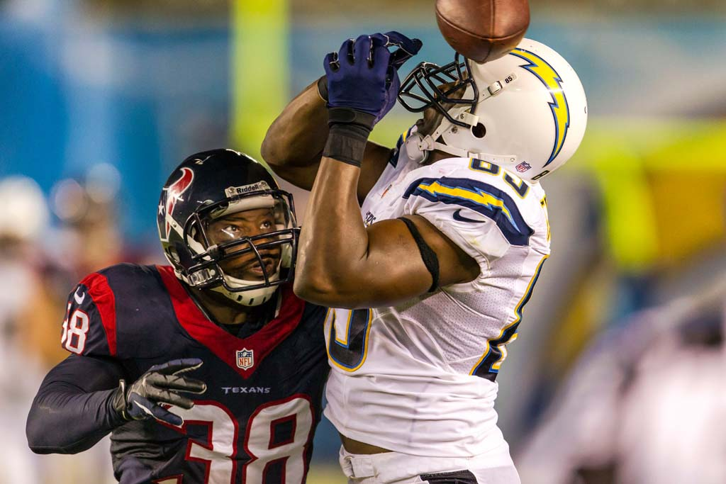 San Diego Chargers tight end Antonio Gates can't hang on to a pass from quarterback Philip Rivers. Photo by Bill Reilly
