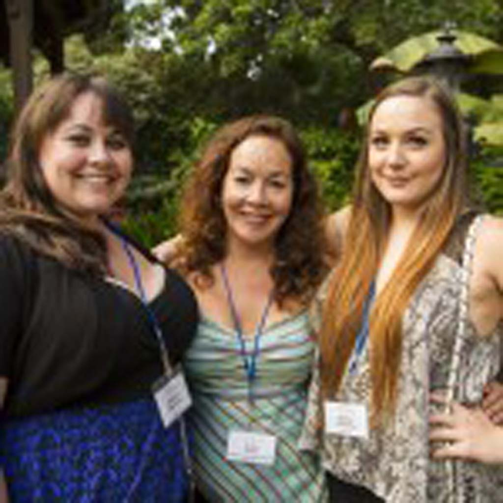 Gala Committee Chair Kathy Segal (center) poses with her daughters Chelsea Rachel Thornton. Photo by Daniel Knighton