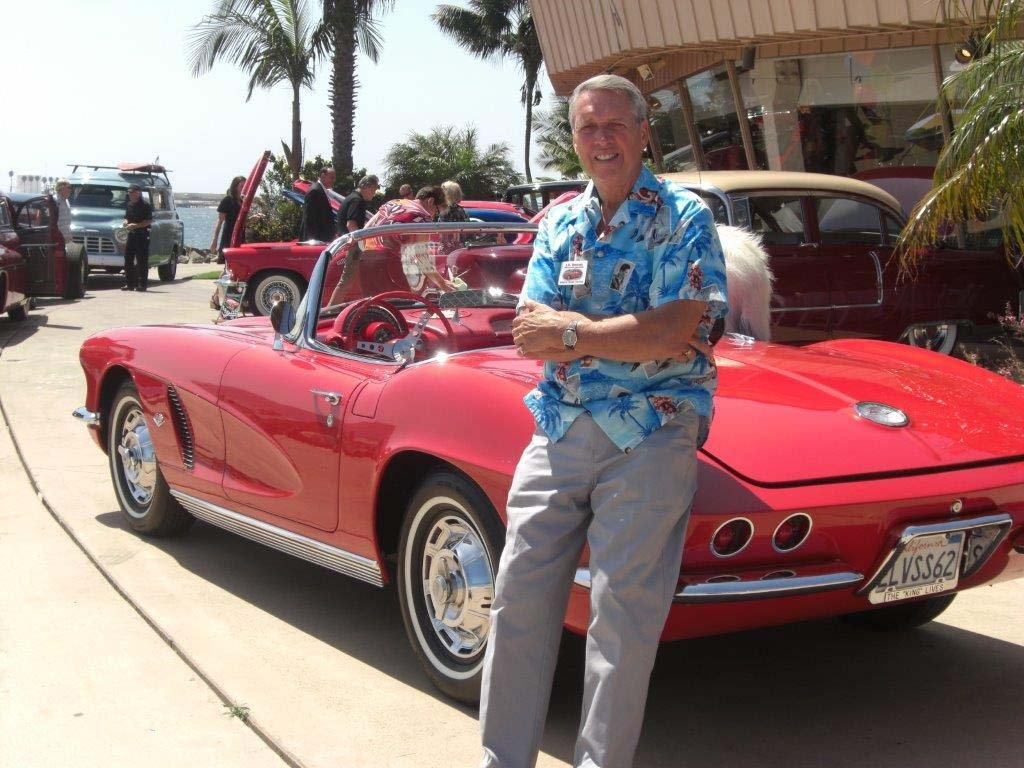 Vette club showing some muscle to benefit military vets
