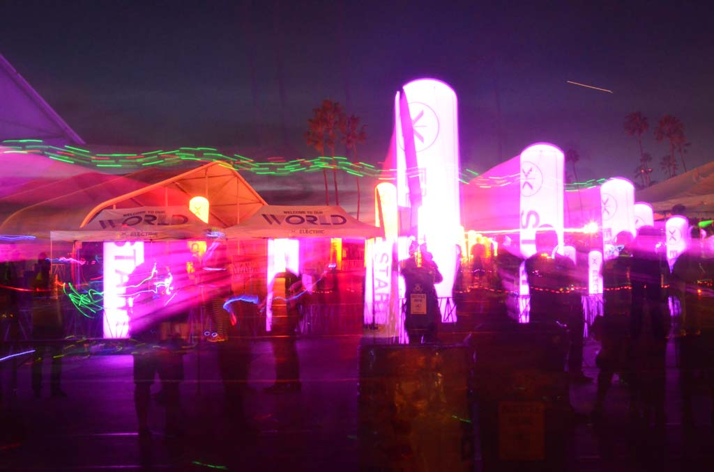 As night falls and the lights come on, runners begin filling in around the Del Mar Fairgrounds facilities.