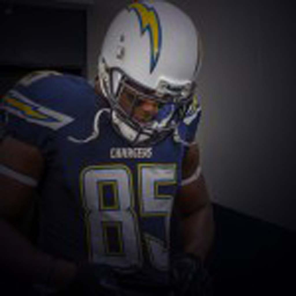 Chargers tight end Antonio Gates (85) prepares to head out on the field for pre-game warm ups at Qualcomm Stadium.