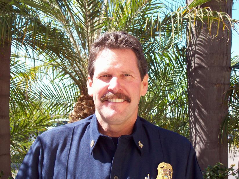 Encinitas fire chief resigns