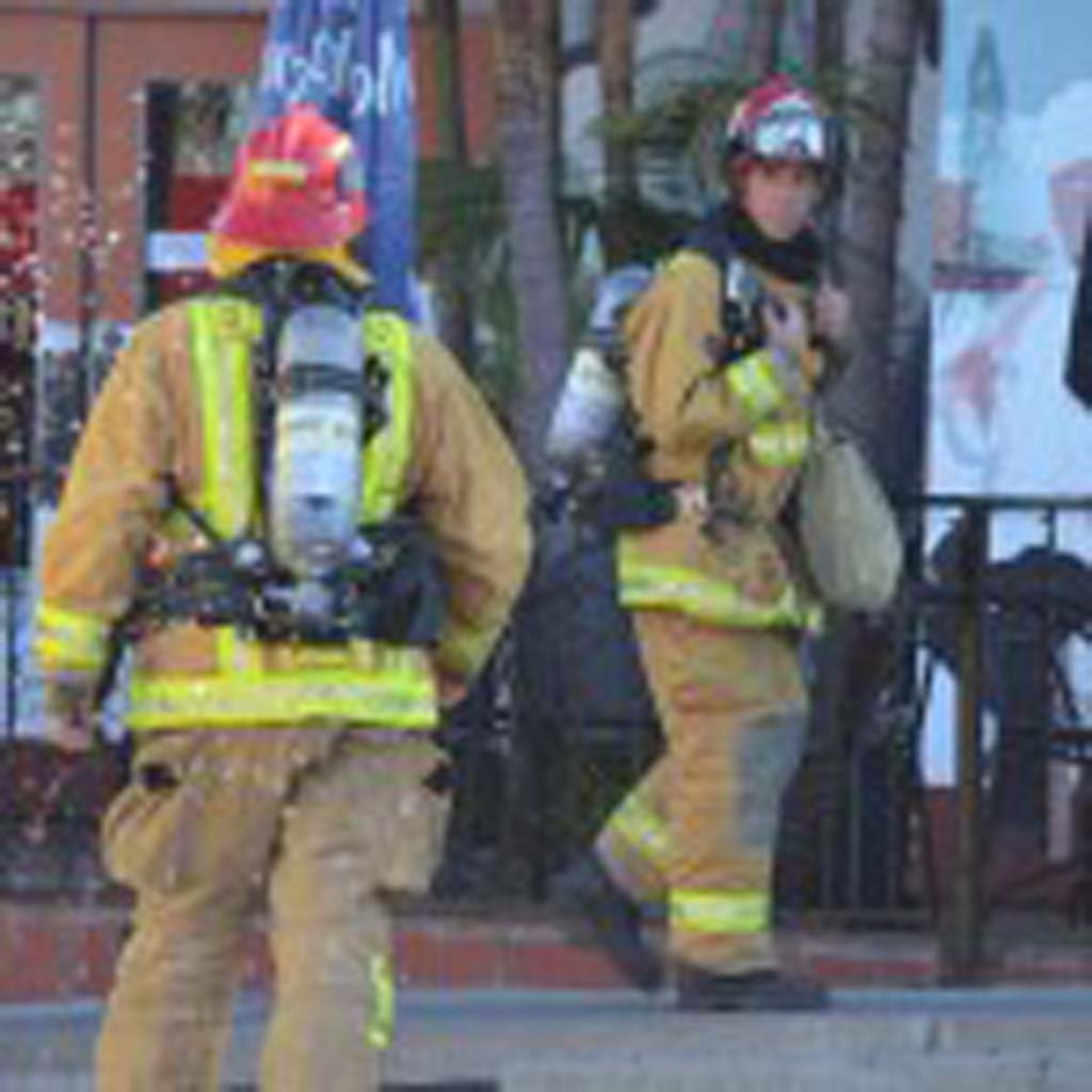 Encinitas firefighters arrived on scene Thursday morning to a call of a grease fire at the El Callejon restaurant. Photo by Tony Cagala