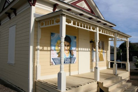 'Top Gun' house gets a noticeable makeover