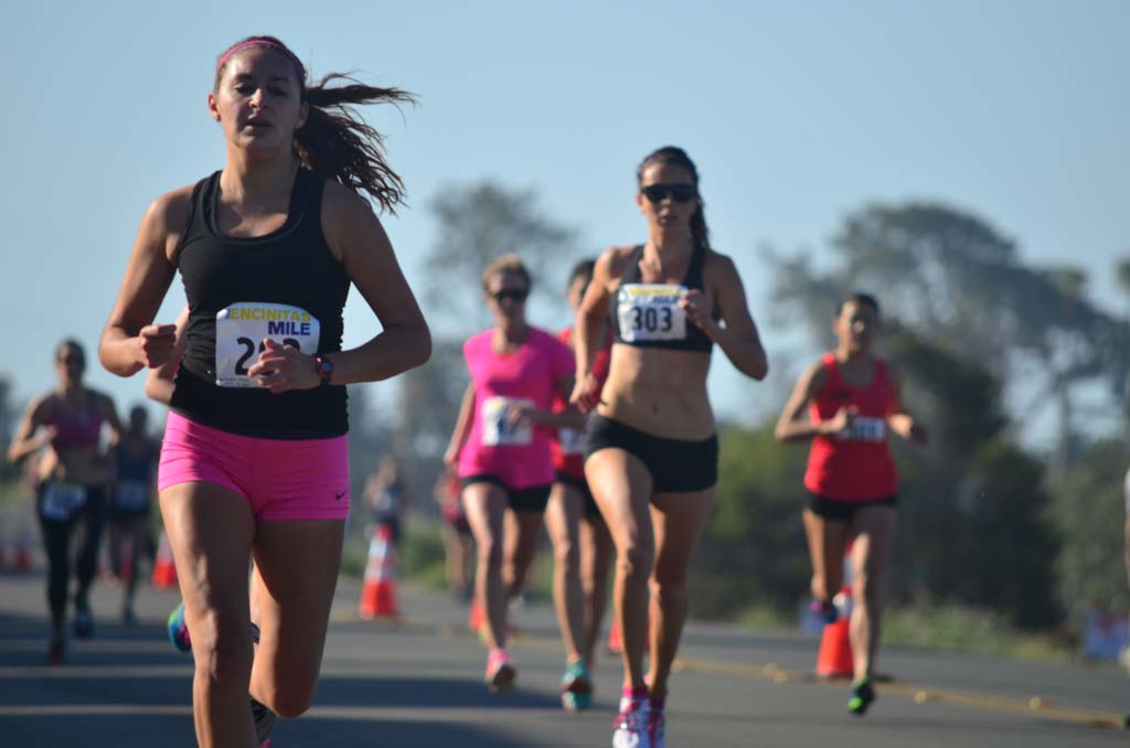 Plenty of runners participate in the inaugural The Encinitas Mile event on Sunday. Photo by Tony Cagala