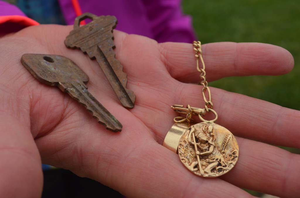 Metal detector seeks to find medal's owner