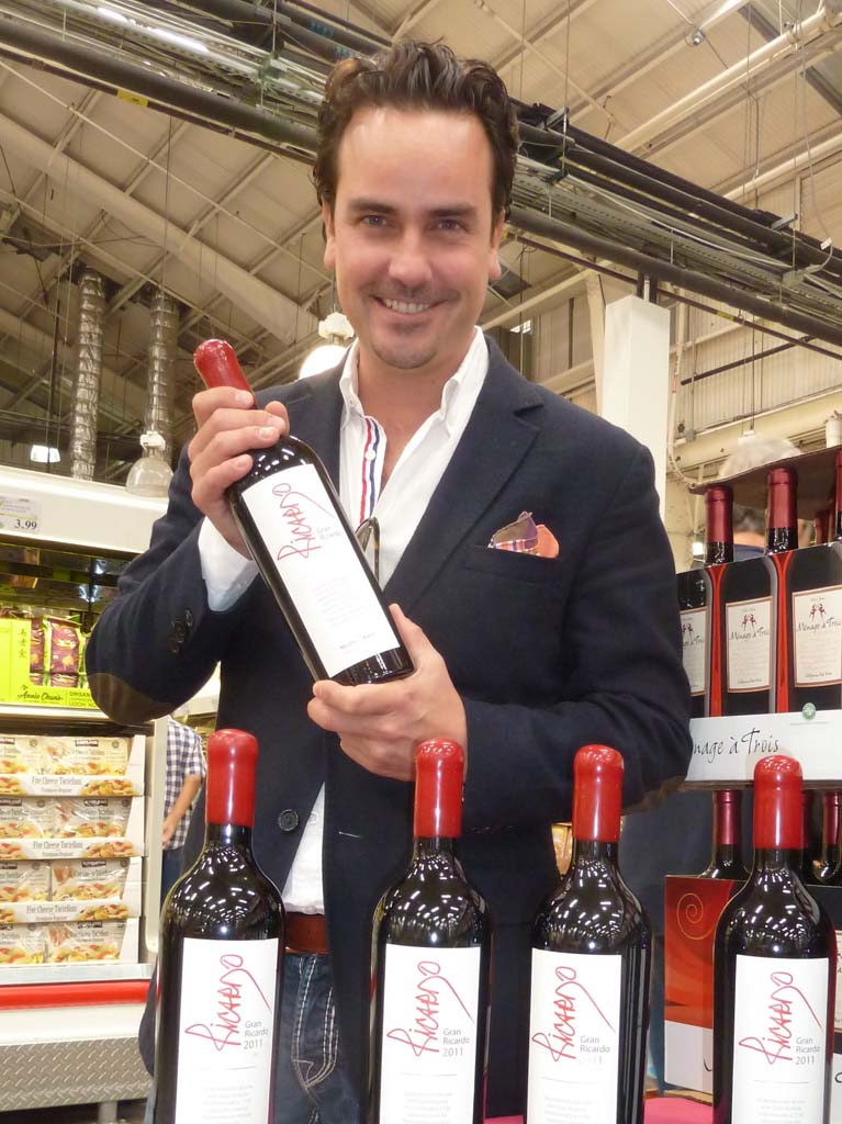 Hans Backhoff, co-owner of Monte Xanic of Mexico with his Gran Ricardo Blend, a featured wine in COSTCO stores. Photo by Frank Mangio