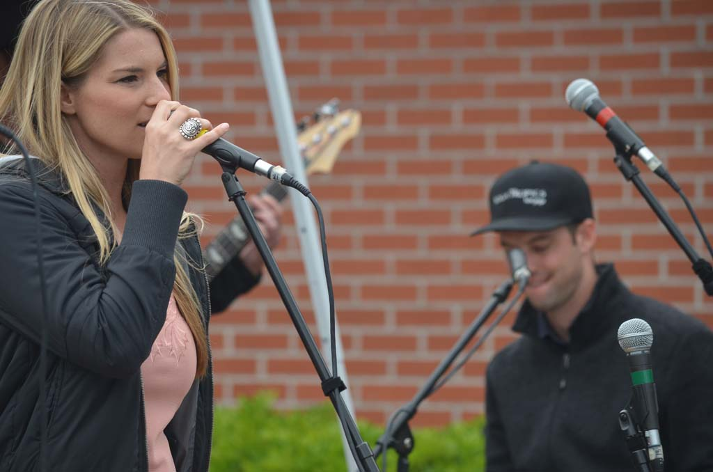 Tracey Stockalper, left, and brother Mike Stockalper of Mango Melody perform at the street fair. Photo by Tony Cagala