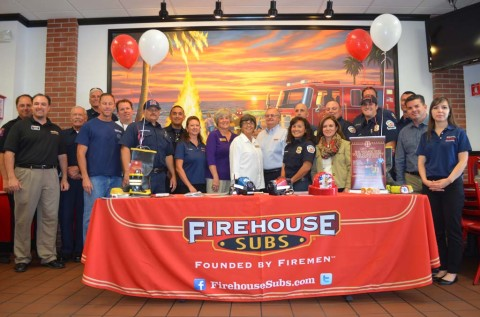 Firehouse Subs makes donation to fire department