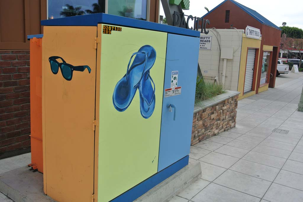 SDGE&E electrical box painted as part of the Encinitas 101 MainStreet's Utility of Art Project through the City of Encinitas Commission for the Arts. Photo by Yeshe Salz