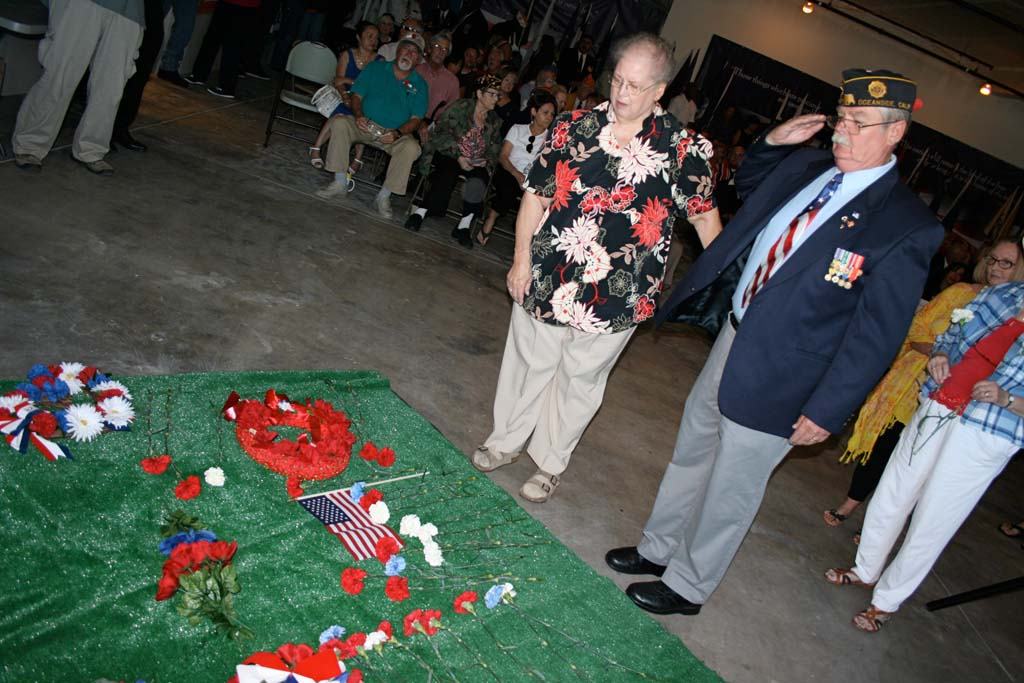Hundreds gather to remember fallen military on Memorial Day