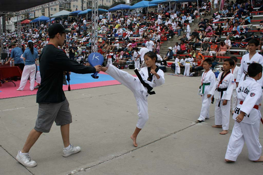 More than 1,000 to face off at beach taekwondo championship