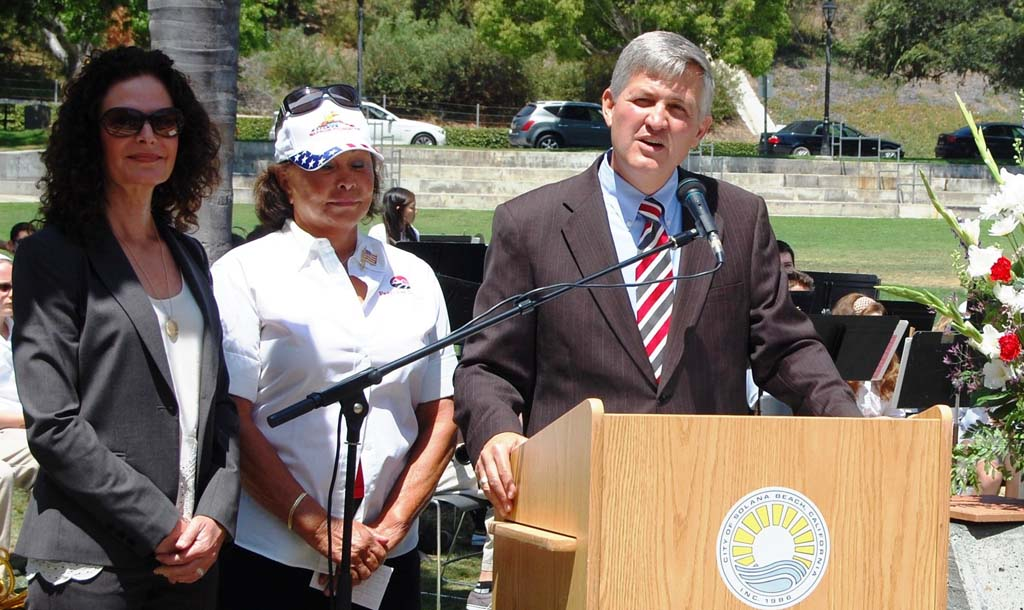 Roberts grants funds to 2 Solana Beach projects
