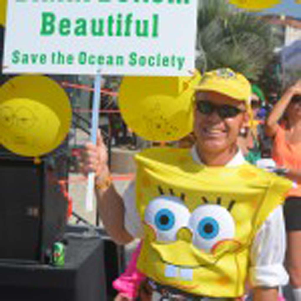 Mark Noehren of Huntington Beach dresses as the character Spongebob Squarepants. Photo by Tony Cagala