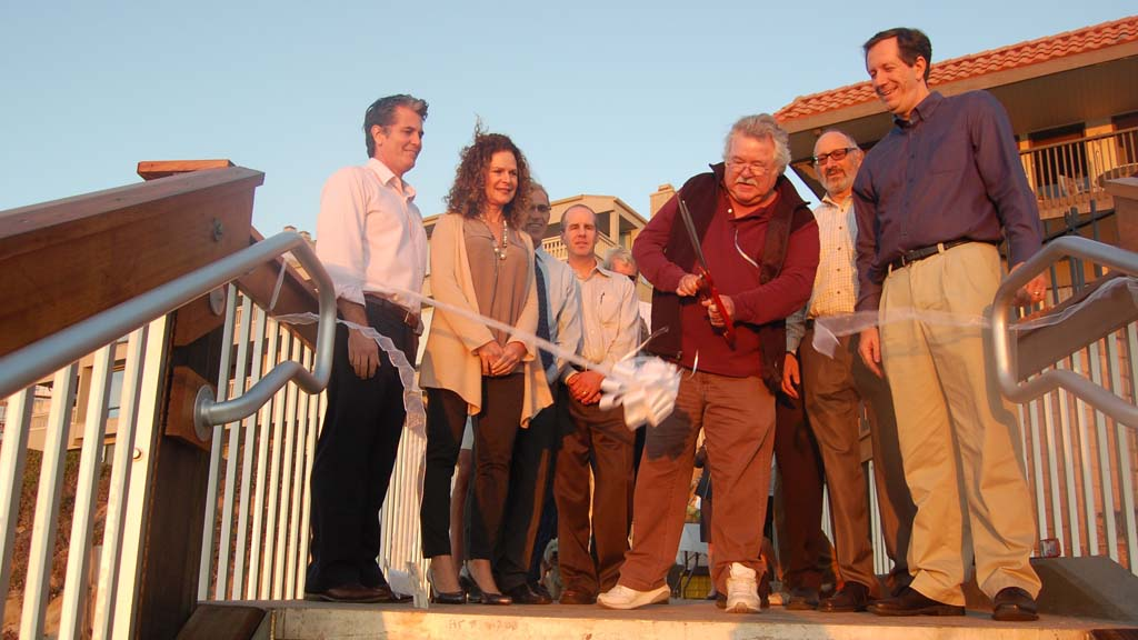 Del Mar Shores access stairway officially reopens