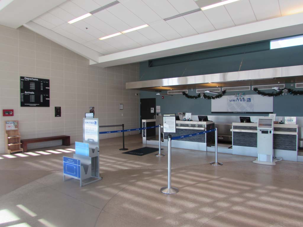 United to cut service out of McClellan-Palomar Airport