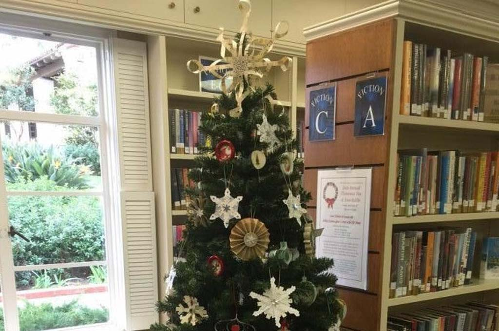 RSF Library Guild readies for holiday tea