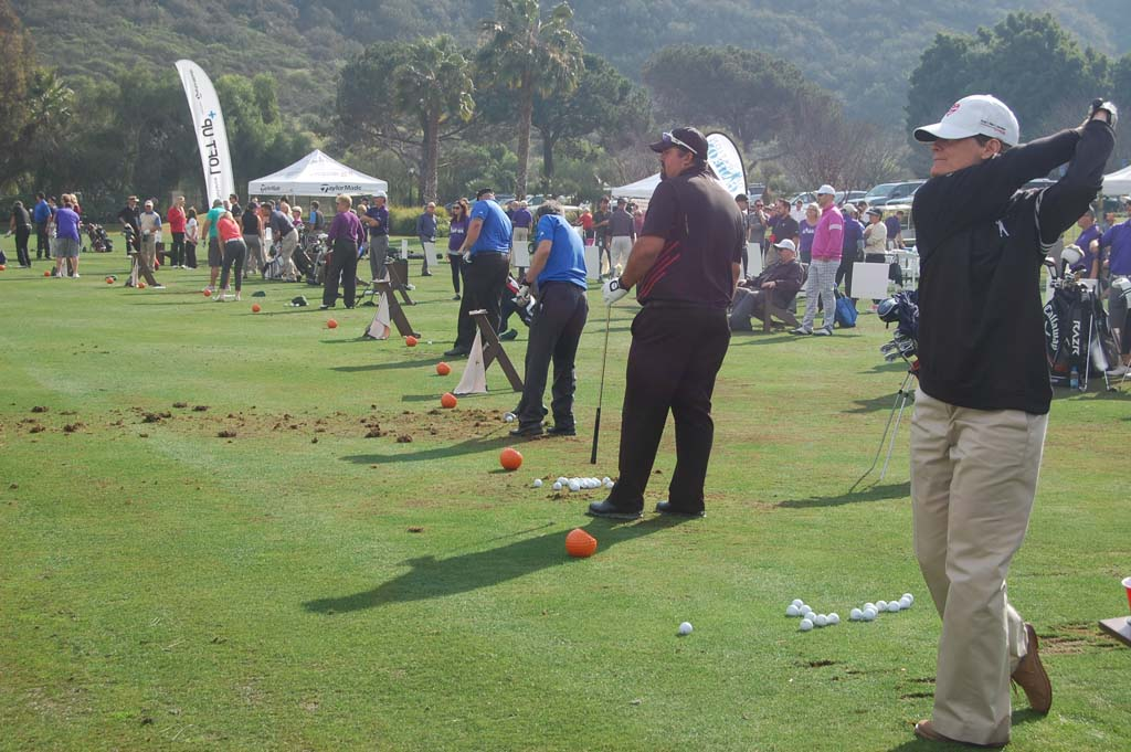 Golfers swing into action to help wounded troops