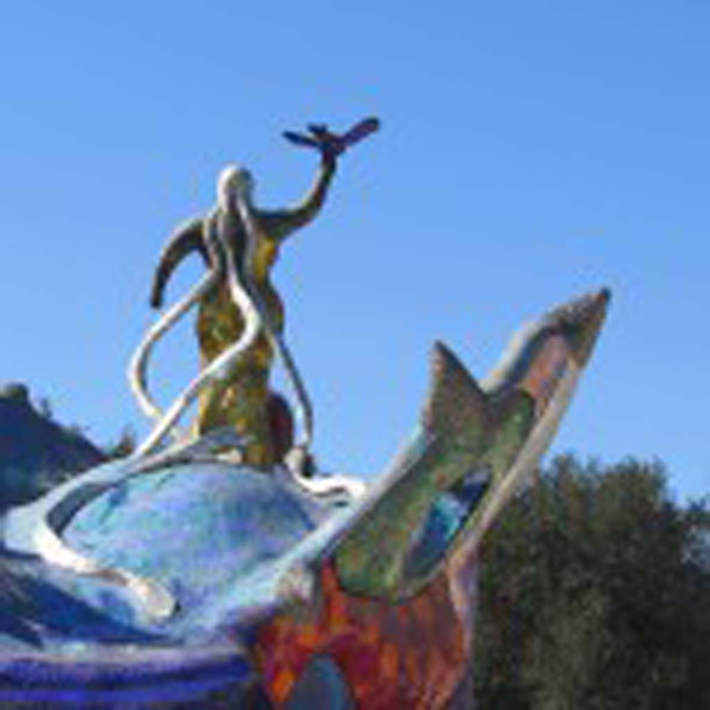 A view from the back of the gardens shows Queen Califia poised in a dominating stance, with her long tendril locks flowing behind her. Photo by Ellen Wright
