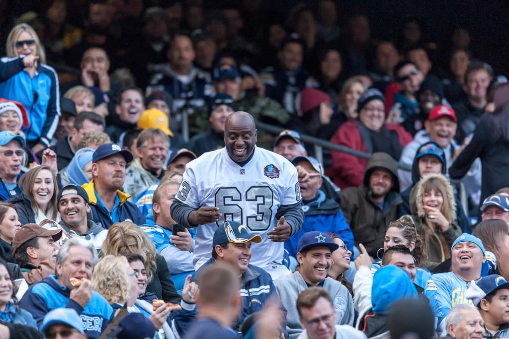 Carson looks to welcome Chargers, Raiders to town