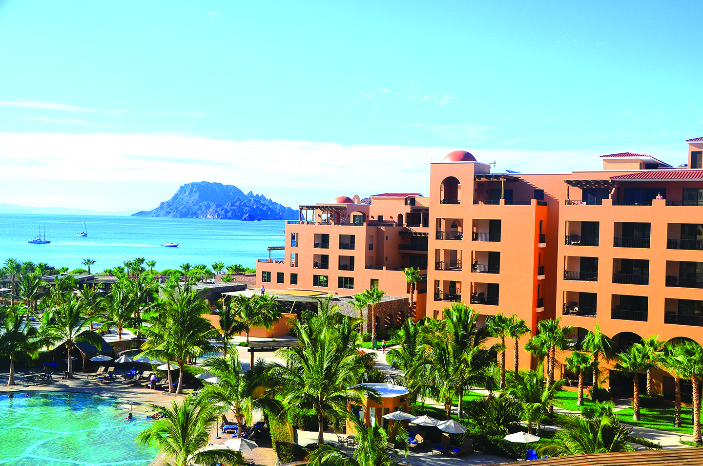 "All of the 181 rooms and suites at Villa del Palmar Beach Resort & Spa in Baja have ocean views and kitchens. The Sierra de la Giganta mountain range provides a dramatic backdrop, and in the other direction, the hotel has a ringside seat on the Sea of Cortez. Jacques Cousteau, who spent time in the area, called it the ""aquarium of the world"" because of the 900 species of fish that inhabit the waters. Photo by Jerry Ondash"