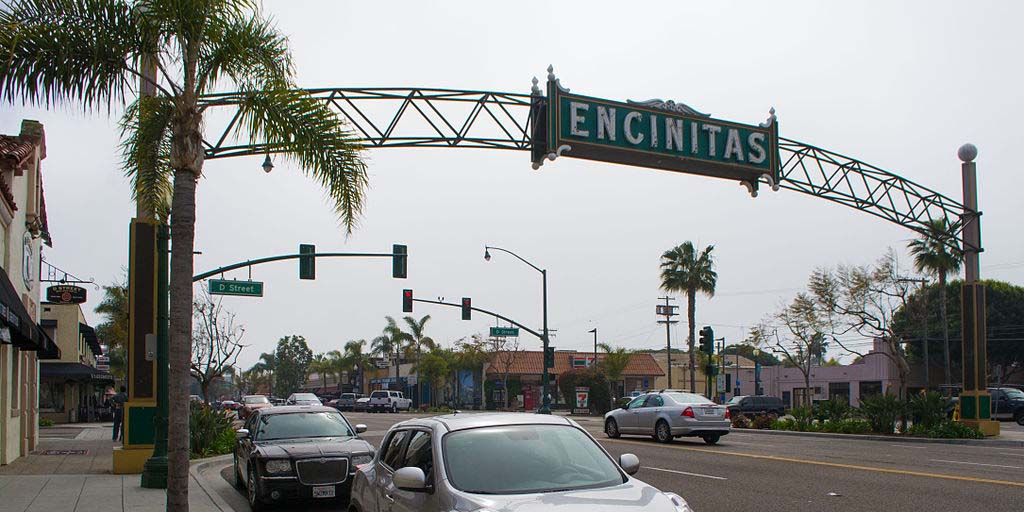 Encinitas Arch. Photo by Vistor7 courtesy of WikiMedia