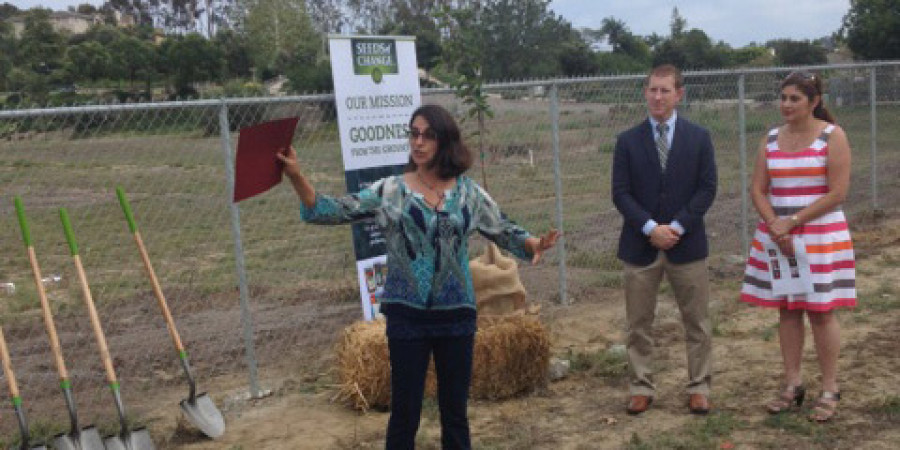Farm lab gets new director, $10,000 grant