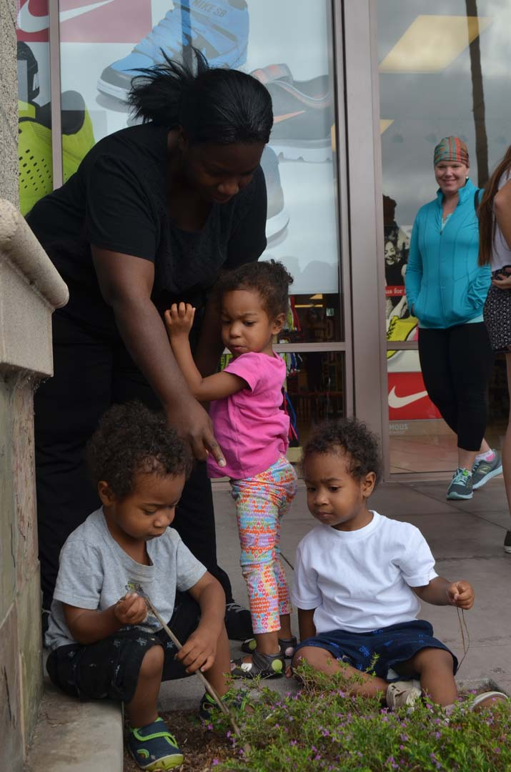 Myesha Perry with her 2-year-old triplets from left: Treyvon, Tiara and Trey before the back-to-school shopping spree. Photo by Tony Cagala