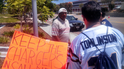 Fans still hopeful Chargers won't bolt