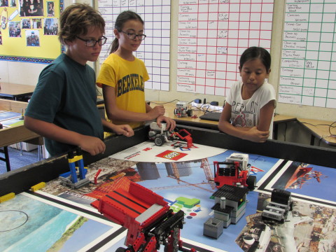 Robotics team finds new solutions to old problems