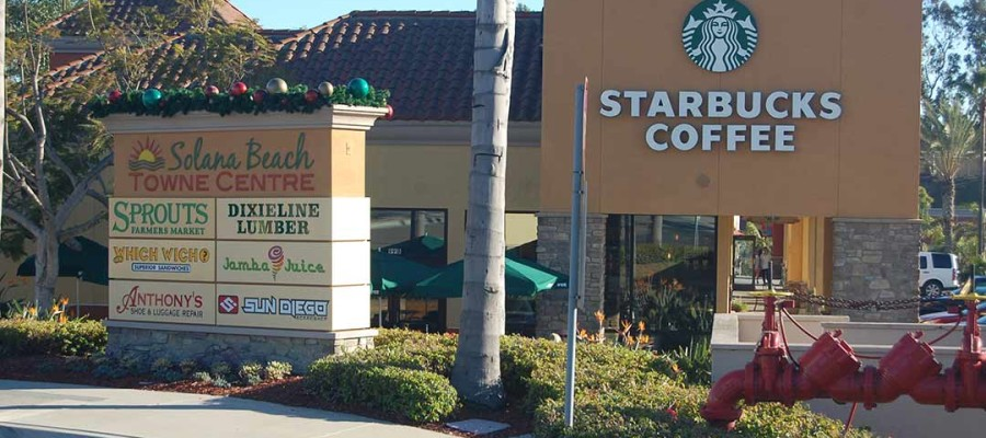 Solana Beach Starbucks getting into holiday spirits