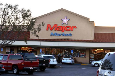 Grocery store changes ownership